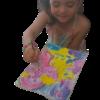 Enfant qui peinture la licorne